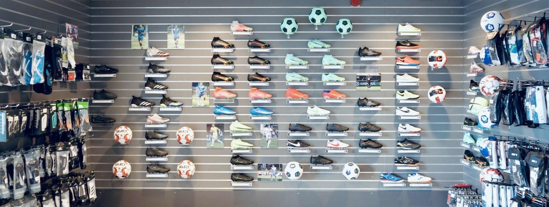 Nieuwe voetbalwand Fanshop