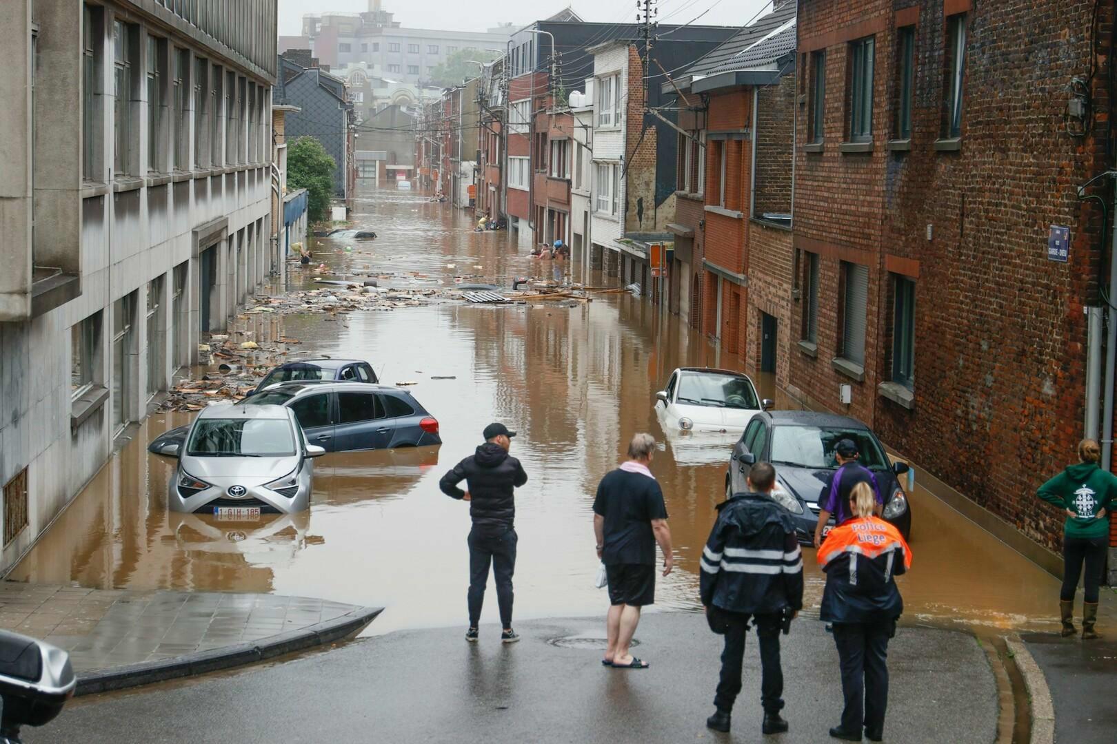 Buffalo's helpen slachtoffers overstromingen